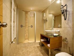 Marmara Hotel Budapest - Bathroom