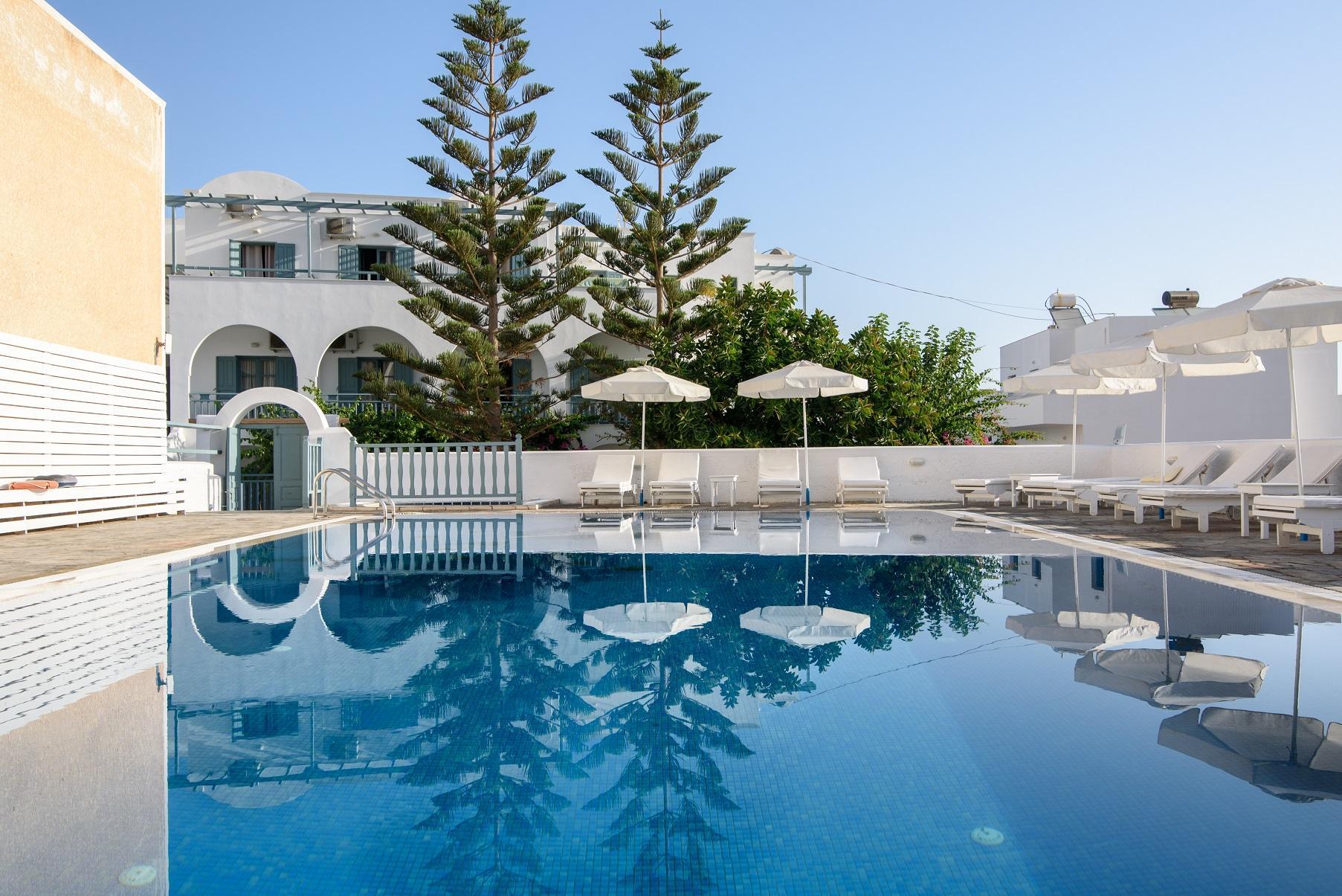 Iris Boutique Hotel – Santorini 3