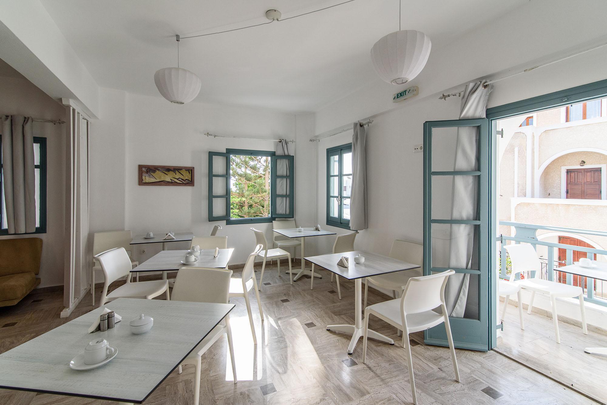 Iris Boutique Hotel – Santorini 5