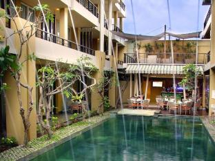 100 Sunset Boutique Hotel - Managed by Aston Bali - Swimming Pool