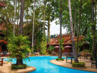Royal Phawadee Village Patong Beach Hotel بوكيت - حمام السباحة