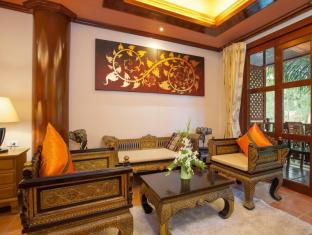 Royal Phawadee Village Patong Beach Hotel بوكيت - غرفة الضيوف