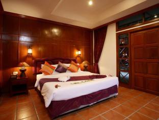 Royal Phawadee Village Patong Beach Hotel Phuket - Superior Room