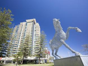 Mantra Broadbeach on the Park Hotel
