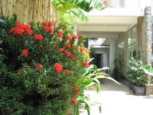 Frangipani Villa-60s Hotel Phnom Penh - Entrata