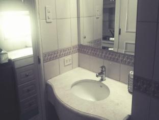 Baywatch 1904 Manila - Bathroom