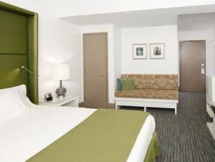 Holiday Inn Express Chicago Magnificent Mile Hotel Chicago