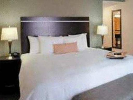 Hampton Inn and Suites Las Vegas Airport hotel accepts paypal in Las Vegas (NV)