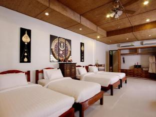 Rayaburi Resort Phuket - Beach Front Quadruple Room