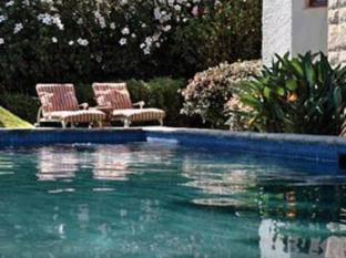 Cape Riviera Guesthouse Cape Town - Swimming Pool