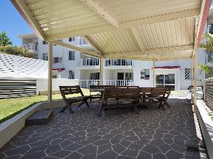 Burleigh Point Holiday Apartments5