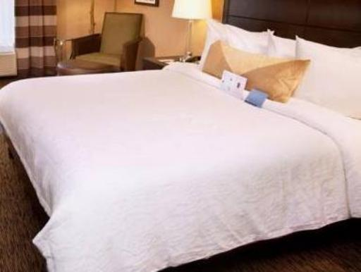 Hilton Garden Inn St. Louis Airport hotel accepts paypal in Saint Louis (MO)