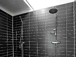 Acco Hostel Stockholm - Bathroom