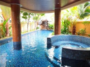 Nova Gold Hotel Pattaya - Swimming Pool
