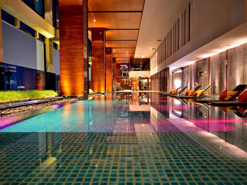 โรงแรมเรอแนสซองซ์ ราชประสงค์ กรุงเทพฯ