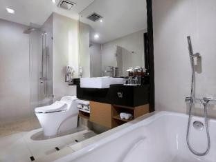 Grand Aston City Hall Hotel & Serviced Residences Medan - Badezimmer