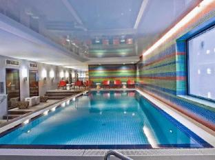 Adina Apartment Hotel Berlin Hauptbahnhof Berlin - Swimming Pool