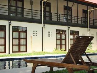 Basaga Holiday Residences Kuching - Zwembad