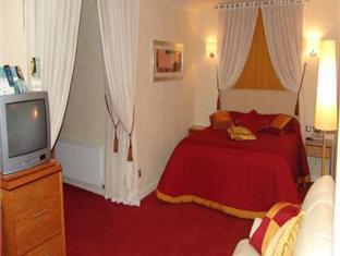 Best guest rating in Killybegs ➦  takes PayPal