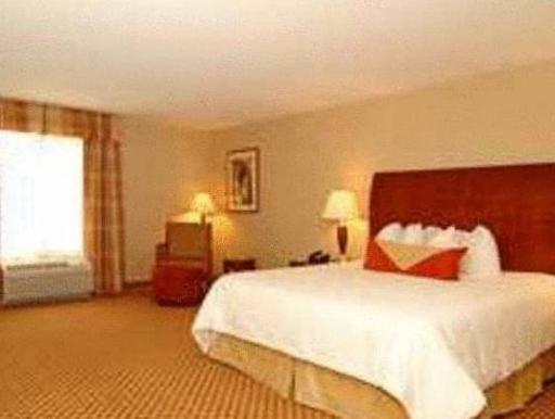 ➦  Hilton Worldwide    (Wyoming) customer rating