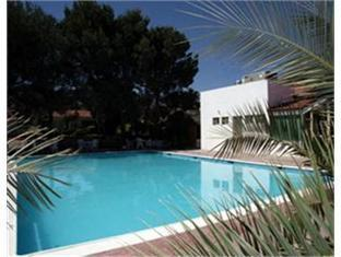 Garden Express Hotel & Suites Saltillo - Swimming Pool