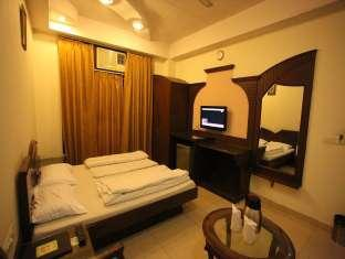 Chanchal Deluxe Hotel New Delhi and NCR - Standard Room