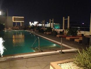 Taj Club House Chennai - Swimming Pool