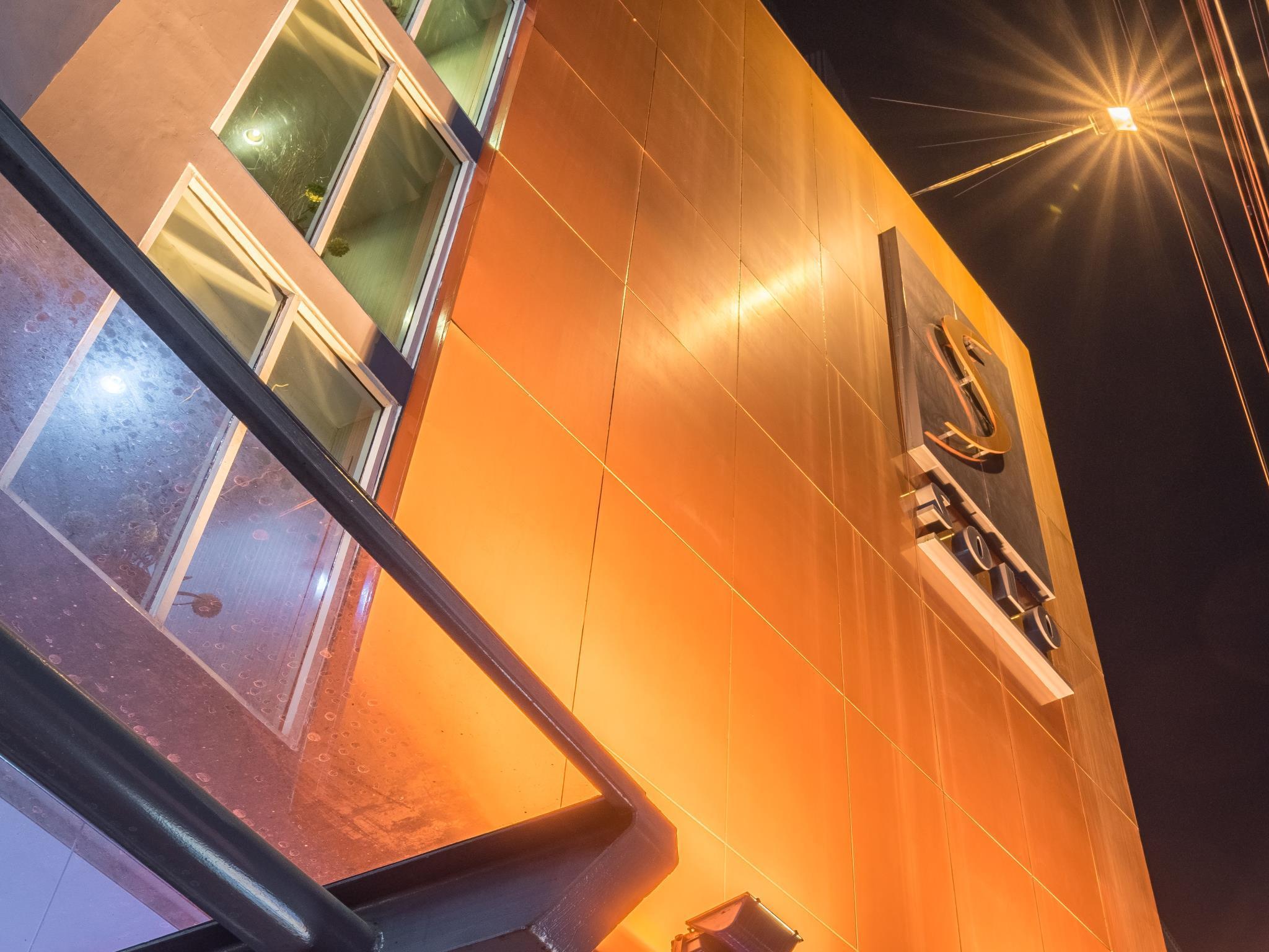 โรงแรมโซโล สุขุมวิท 2