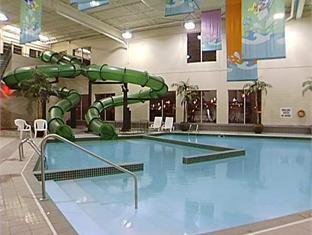 International Plaza Hotel And Conference Centre Toronto - Uima-allas
