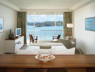 Hamilton Island Reef View Hotel Whitsunday Islands - Reef Suite