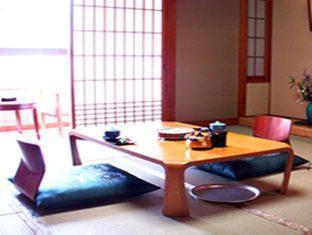 かねよし旅館 (Kaneyoshi Ryokan Hotel)