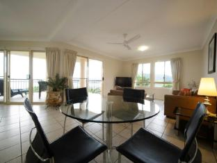 Martinique Whitsunday Resort Whitsunday Islands - 1 Bedroom Deluxe Apartment - Living Room