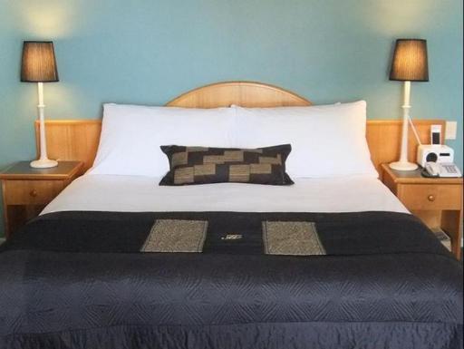 Best PayPal Hotel in ➦ Denham: Oceanside Village