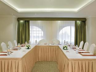 City Seasons Al Hamra Hotel Abu Dhabi - Meeting Room