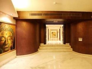 Hotel Clark Greens - Airport Hotel & Spa Resorts New Delhi and NCR - Interior