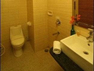 Le Seasons Beach Resort North Goa - Bathroom