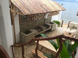 The Driftwood Cottage Luxury Beachfront Cabin