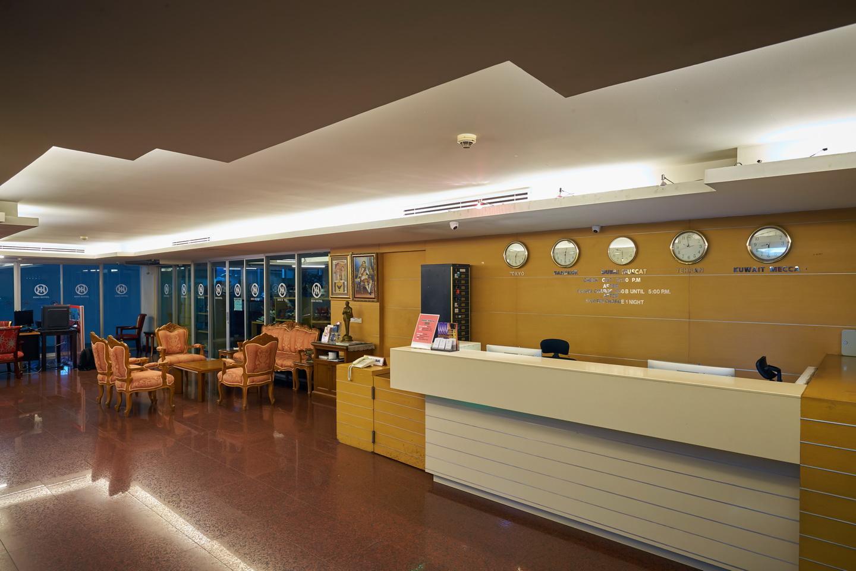 โรงแรมนานา ไฮโซ