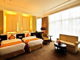 La Sapinette Hotel Dalat - Junior Suite Room