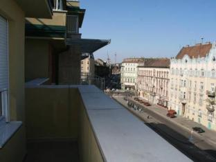 Far Home Apartments Budapest - Balcony