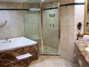 San Luis Lindavista Hotel Culiacan - Bathroom