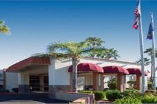 expedia Quality Suites near Old Town Scottsdale