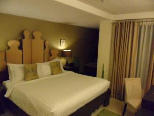 The Theodore Hotel Tagaytay - The Whimsical Garden Superior