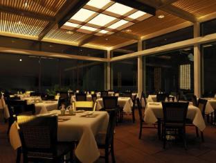 Akumal Beach Resort Soon To Be Akumal Bay Beach and Wellness Resort Cancun - Restoran