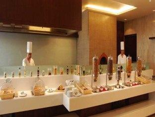 Country Inn & Suites By Carlson Sahibabad New Delhi and NCR - Tatva-Live Kitchen