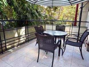 Chalet Hotel New Delhi and NCR - Balcony Lounge