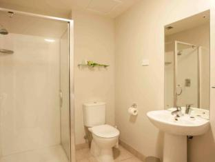 Auckland City Oaks Serviced Apartments Auckland - Bathroom