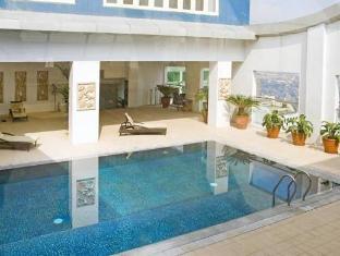 St Giles Makati - St Giles Classic Hotel Manila - Swimming Pool
