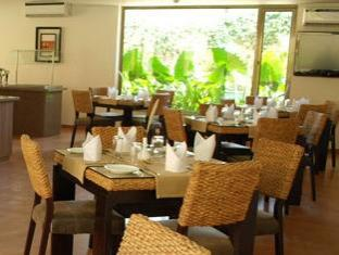 Sandalwood Hotel & Retreat Norra Goa - Restaurang