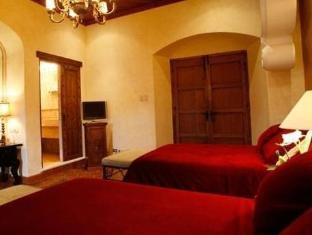 Palacio De Dona Leonor Hotel Antigua Guatemala - Guest Room